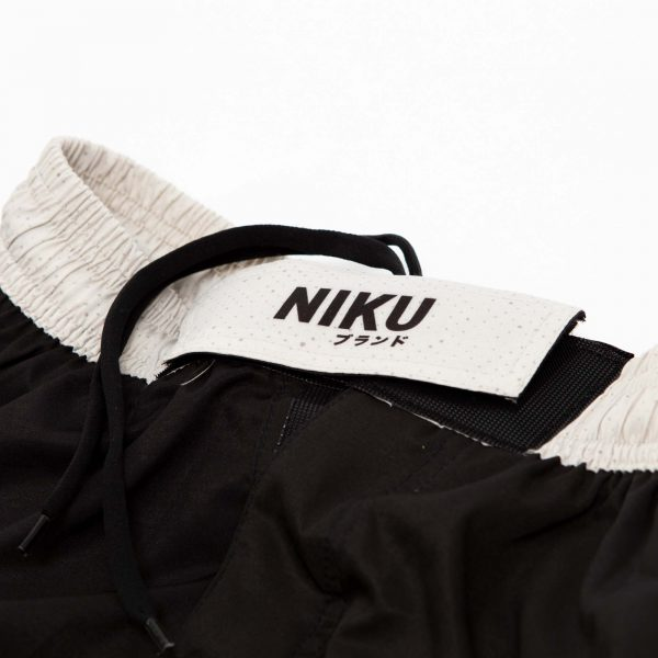 niku shorts roll light 3