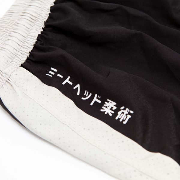 niku shorts roll light 6