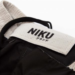 niku shorts roll light 7