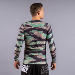 scramble rashguard base tigher camo 3