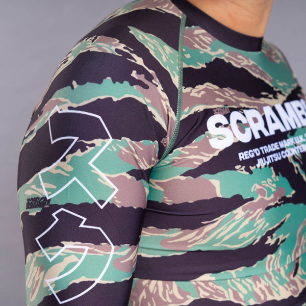 scramble rashguard base tigher camo 5